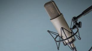 Rákosnak adta ki magát, pénzt kért, egy komplett rádióadót átvert