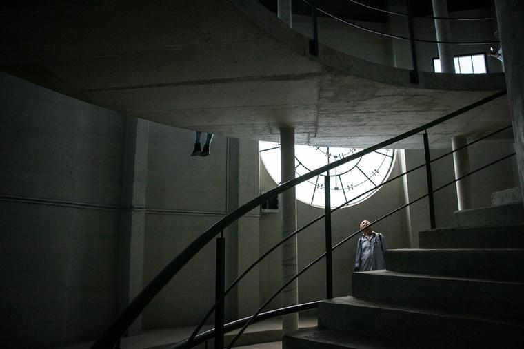 A toronyba egy egészen hosszú lépcsősor vezet fel.