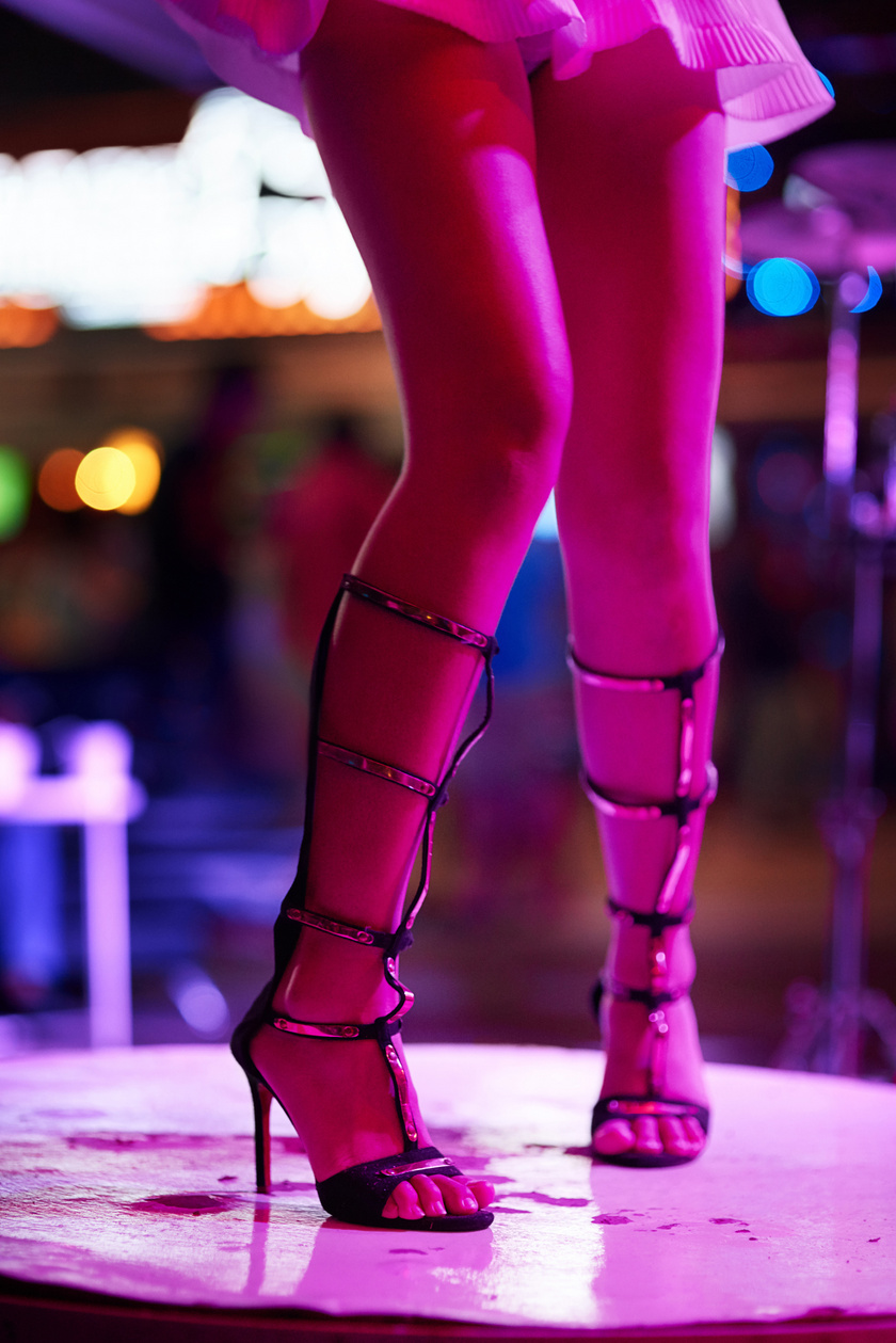 nightclub-tancosno-sztriptiz-prostitualt