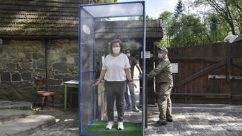 Ismét rekordokat dönt Ukrajnában az új betegek száma