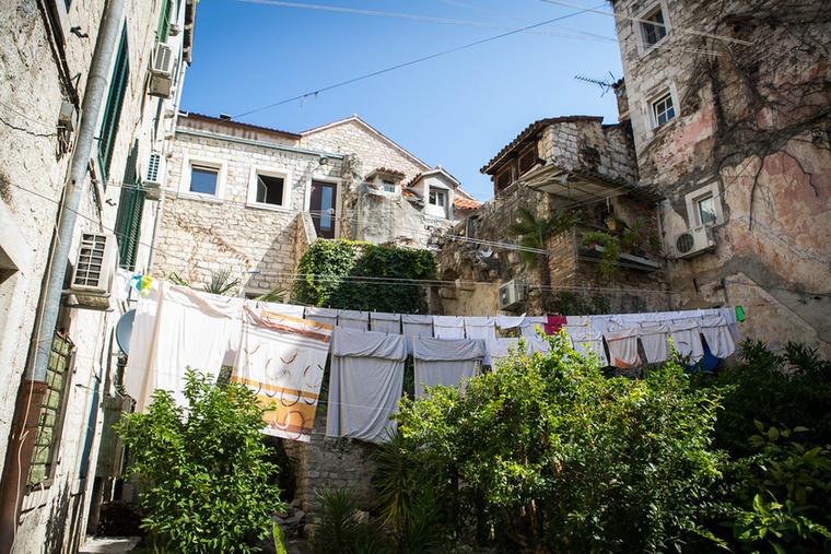 Az óváros közepén olyan házak is vannak, ahol kisebb kertet alakítottak ki