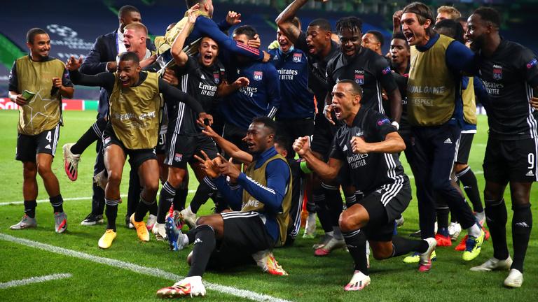 Bombameglepetés a BL-ben, a Juventus után a Manchester Cityt is kiütötte a Lyon