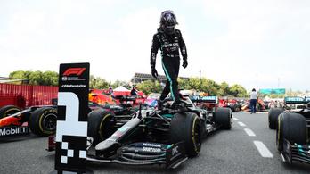 Hamilton nyerte a Spanyol Nagydíjat, visszavágott Verstappennek