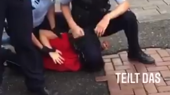 Nyakra térdelős letartóztatás miatt tört ki botrány Németországban