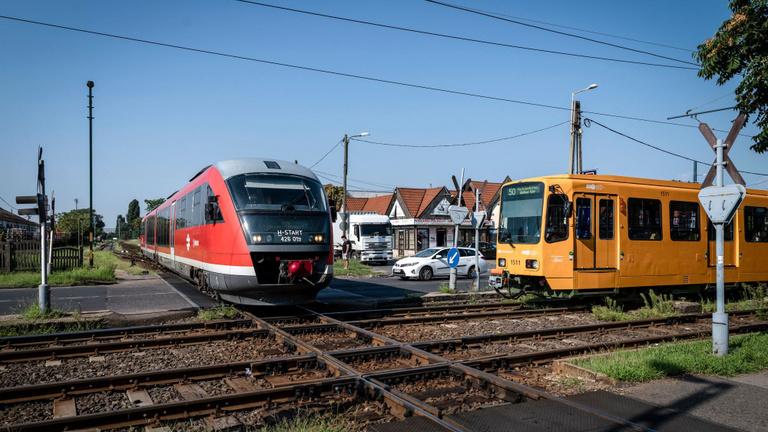 Vitézy: Modernizálják az északi, déli és keleti elővárosi vasutat