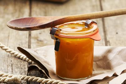 Pikáns sárgarépa chutney leheletnyi gyömbérrel ízesítve – Sokáig eláll a kamrapolcon