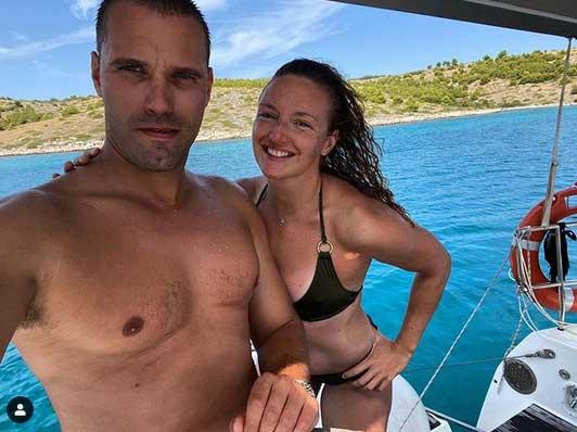 Hosszú Katinka nem csak dögös a bikiniben, de látszik, mennyire boldog párjával, Mátéval.