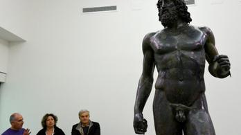 Oidipusz király fiait ábrázolhatják a híres bronzszobrok