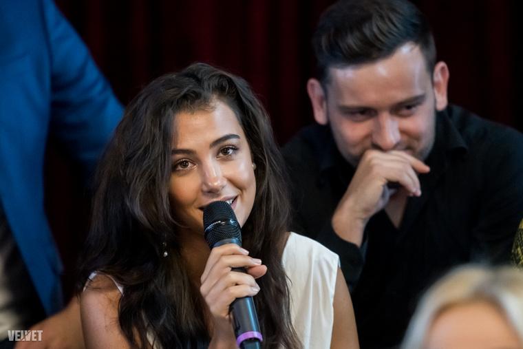 Tóth Andi és Szabó Ádám még egy pár voltak, amikor elfogadták a TV2 felkérését, azóta azonban már szétmentek, amit a sajtótájékoztatón meg is erősítettek