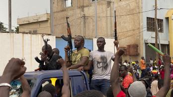 Fellázadtak a katonák Maliban és őrizetbe vették a kormányfőt