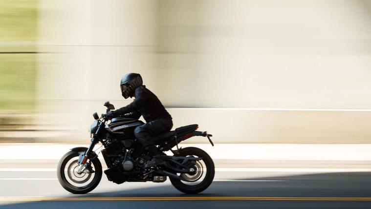 2021-Harley-Davidson-Bronx-EICMA-15