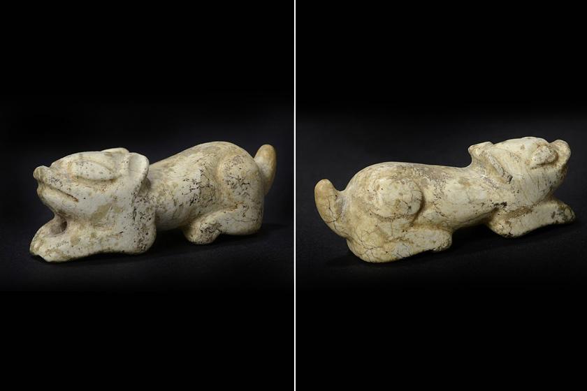 Olykor egy egyszerű porfogóról derül ki, hogy hatalmas régészeti értéket rejt. Alfred Correya a garázsában álló ósdi fiókos szekrényben talált egy kutyaforma amulettet, melyről sejtette, hogy csakis a már elhunyt, indiaiékszer-kereskedő édesapja hagyhatta hátra. A felbecsülhetetlen régészeti értéket képviselő tárgy 4-5 ezer éves lehet, Kínából származik, és előfordulhat, hogy egykor rablók emelhették el egy sírból, hogy azután értékesítsék.