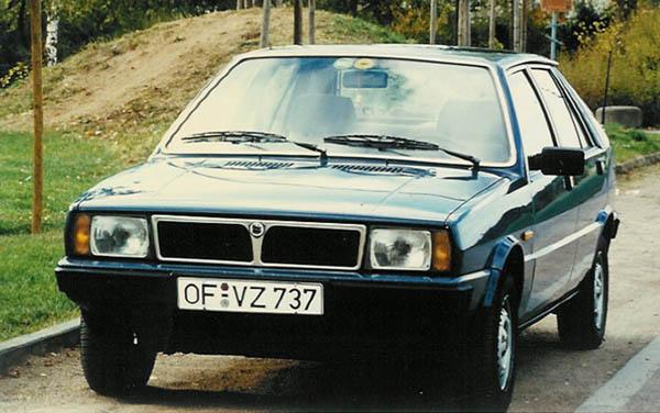 auto/LANCIA/DELTA 1979-1994/XLARGE/03fs