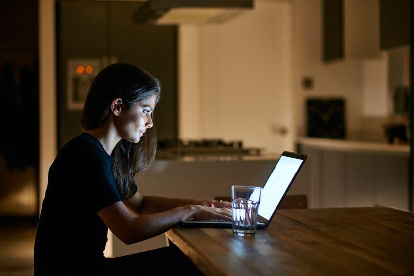 Így rabolja el az internet a szabadidőt, amit a home office-szal spórolsz