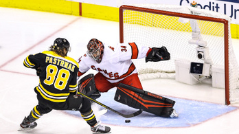 NHL: A Boston és a Colorado is továbbjutott