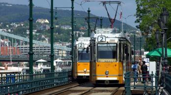 A hosszú hétvége miatt változik a tömegközlekedés rendje is