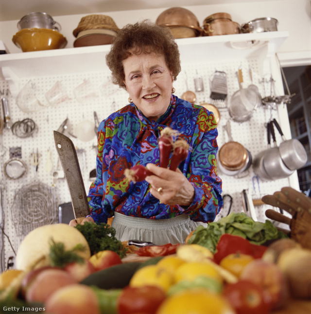 Julia Child 1989-ben a konyhájában