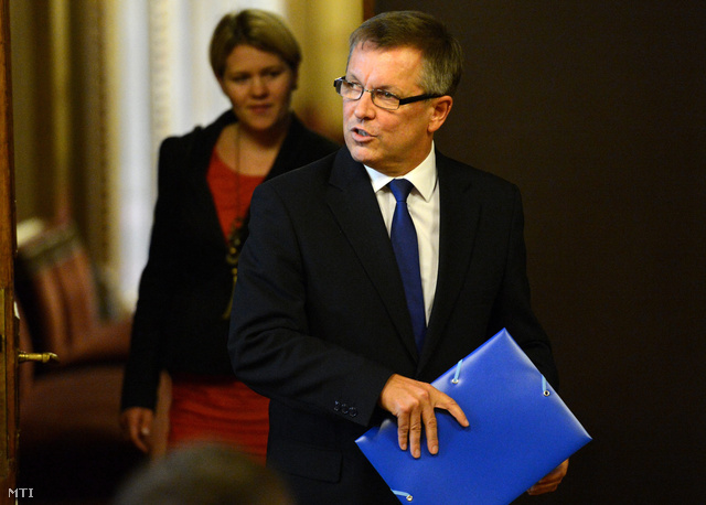 Matolcsy György a kormányszóvivői sajtótájékoztatón