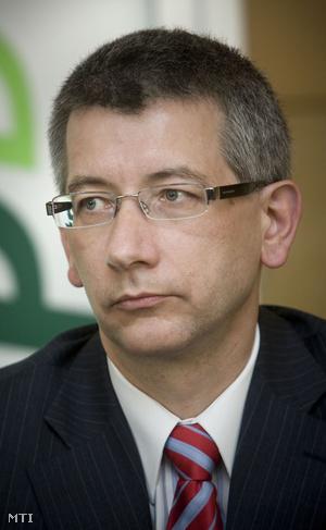 Urbán László