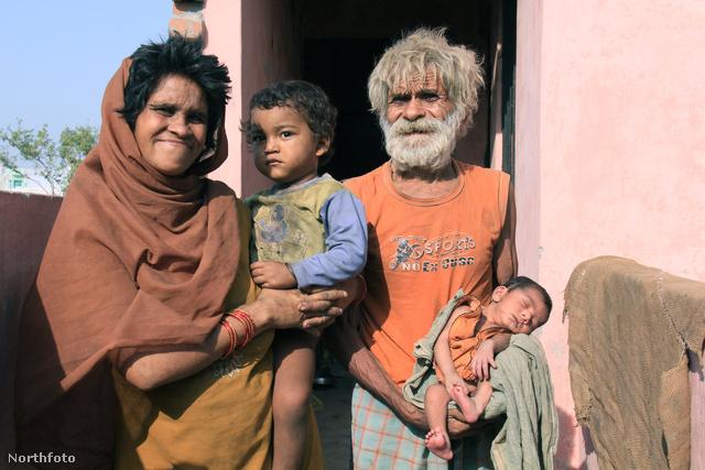 A Raghav család 2012-ben