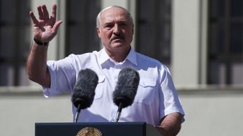 Lukasenko: Ne aggódjanak, pár nap alatt megoldjuk a problémát