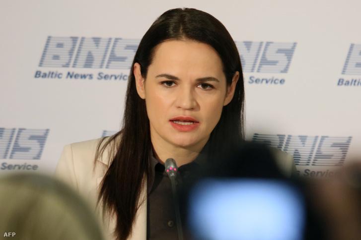 Szvetlana Tyikhanovszkaja vilniuszi sajtótájékoztatóján 2020. augusztus 21-én.