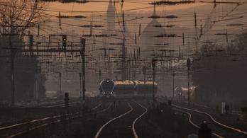 Szombat után vasárnap is késések a Budapest-Újszász-Szolnok vasútvonalon