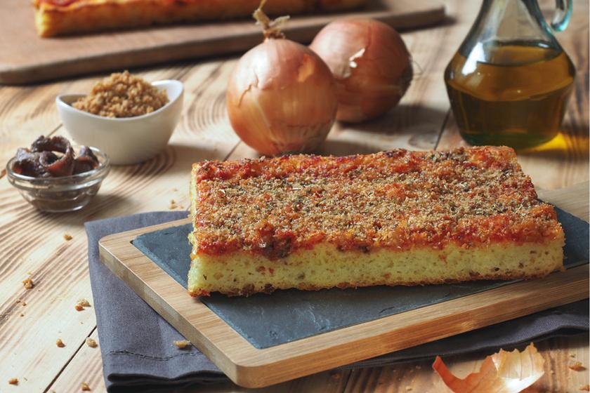 Vastag tésztájú szicíliai pizza: tepsiben nagyon könnyen elkészíthető