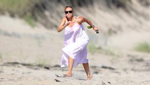 Scarlett Johansson óceánparton készül mémesedni