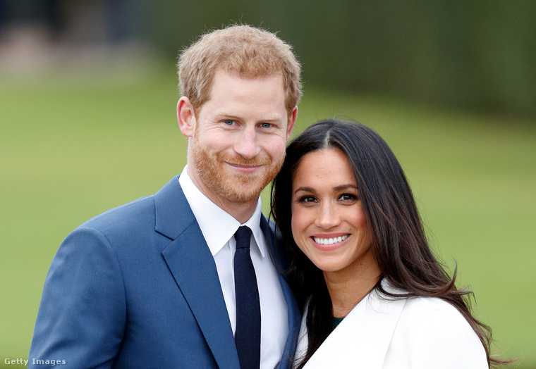 A bulvármédia hazug cikkei okozta problémát csak fokozta, hogy a királyi család nem, vagy csak túl későn, túl visszafogottan állt Markle és Harry pártjára, akik az ő engedélyük nélkül nem nyilatkozhattak