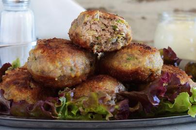 30 perces, szaftos, lágy cukkinis húsgolyó - Sütőben is elkészíthető
