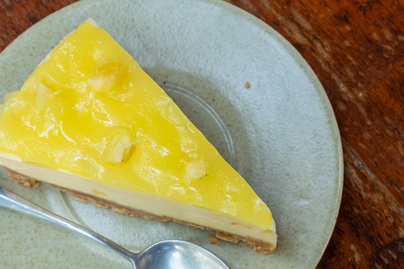 Krémes ananászos sajttorta sütés nélkül - A déligyümölcs egészen különleges ízt ad a tölteléknek