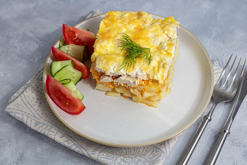 Szaftos, csirkés rakott krumpli a sütőből: isteni fogás, amit mindenki szeret