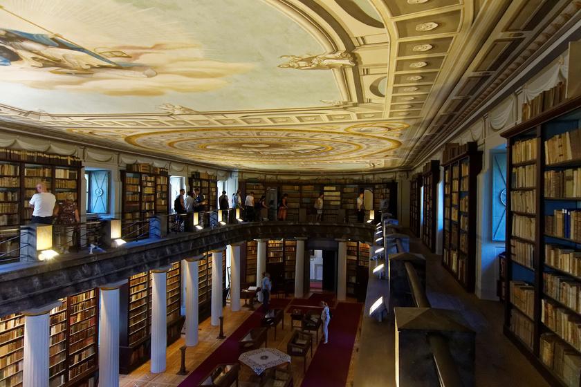 A Nagykönyvtár díszterme.