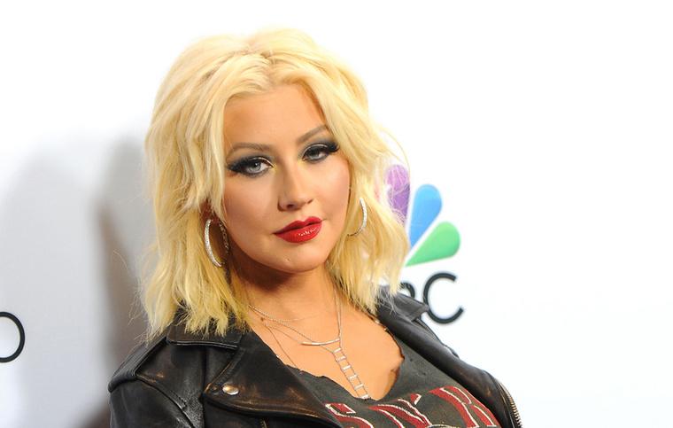 Christina AguileraA Voice zsűritagjaként az énekesnőnek is volt néhány kellemetlen megmozdulása