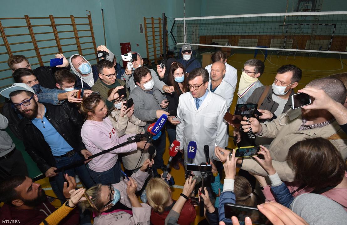 Alekszandr Murahovszkij az Alekszej Navalnijt kezelő első omszki mentőkórház főorvosa nyilatkozik 2020. augusztus 21-én. A fõorvos szerint nem találtak méreganyagot a szakemberek Navalnij leleteiben.