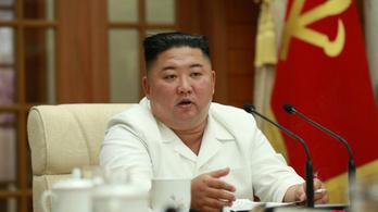 Kim Dzsongun nemhogy kómában nincs, de még a politikai bizottságot is összehívta