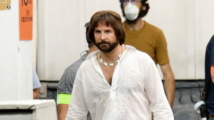 Alig lehet ráismerni az új filmjét forgató Bradley Cooperre