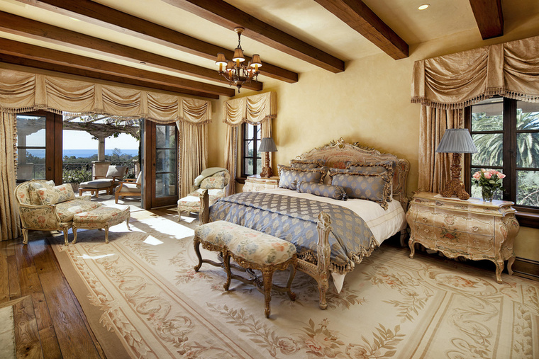 Ez pedig itt valószínűleg az egykori hercegi pár hálószobája