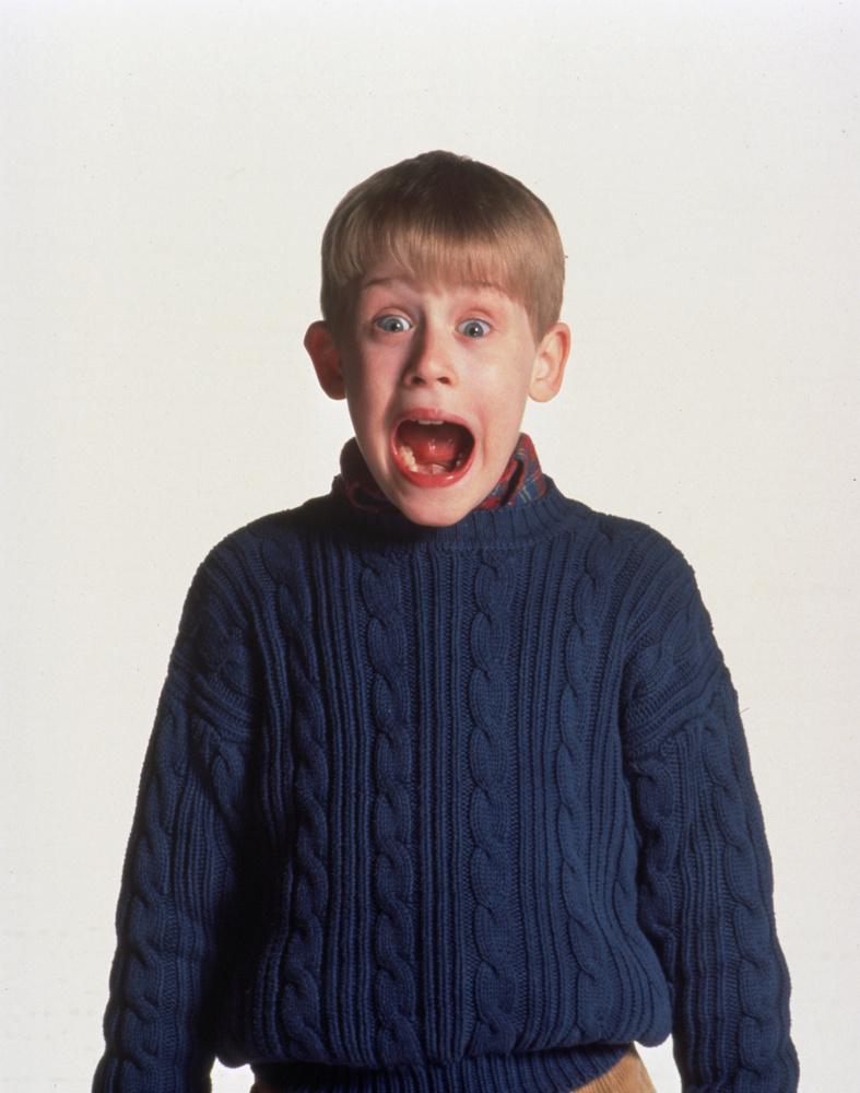 Macaulay Carson Culkint a többség a Reszkessetek, betörők! című filmekből ismeri, aminek első részének megjelenésekor, 1990-ben, Culkin még csak 10 éves volt.