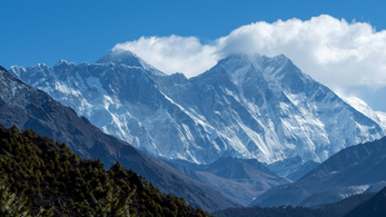 Rutin nélkül és idősen is fel lehet jutni a Mount Everestre