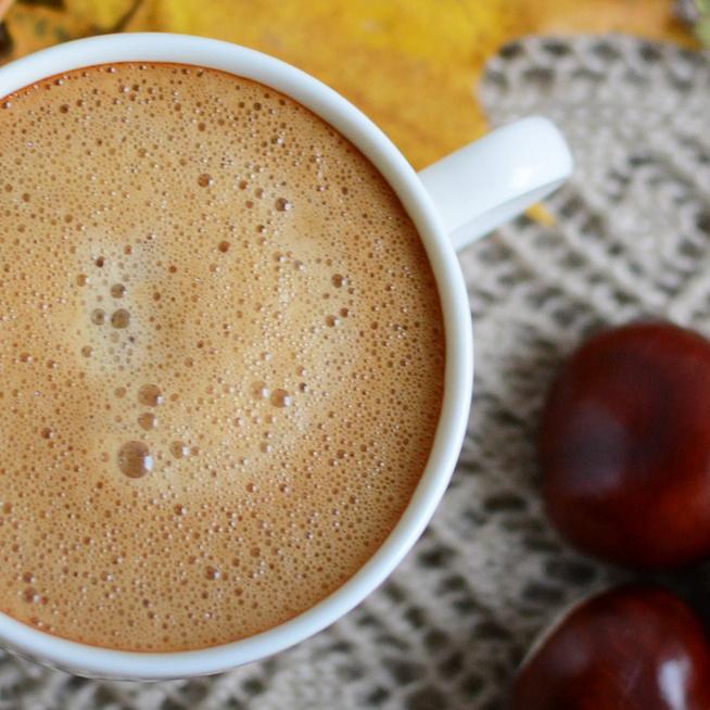 Forró, krémes gesztenyés kávé: desszertként is megállja a helyét