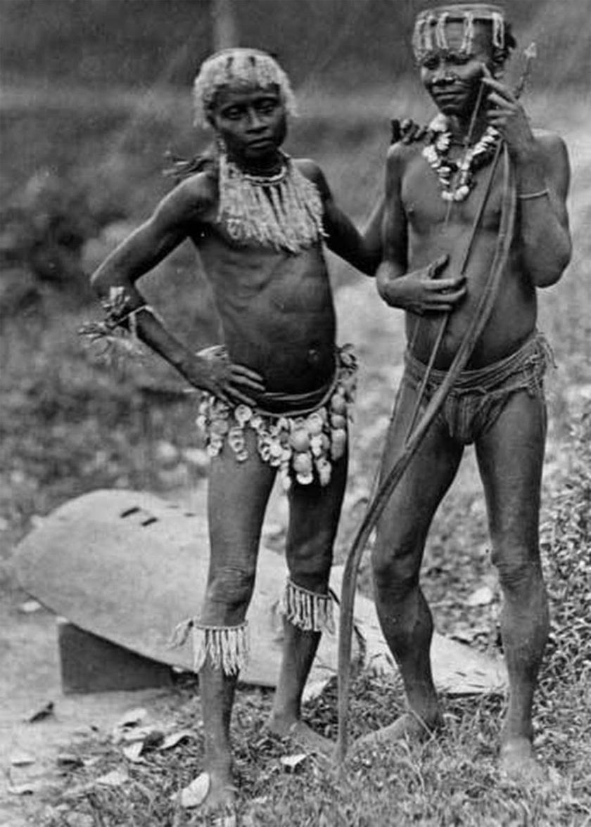Az egyik legkorábbi fotó két nagy andamán férfiról, 1875-ben.