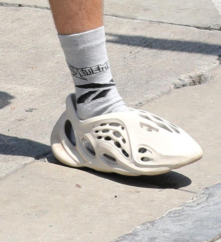 Ön viselné a képen látható cipőszörnyeteget?