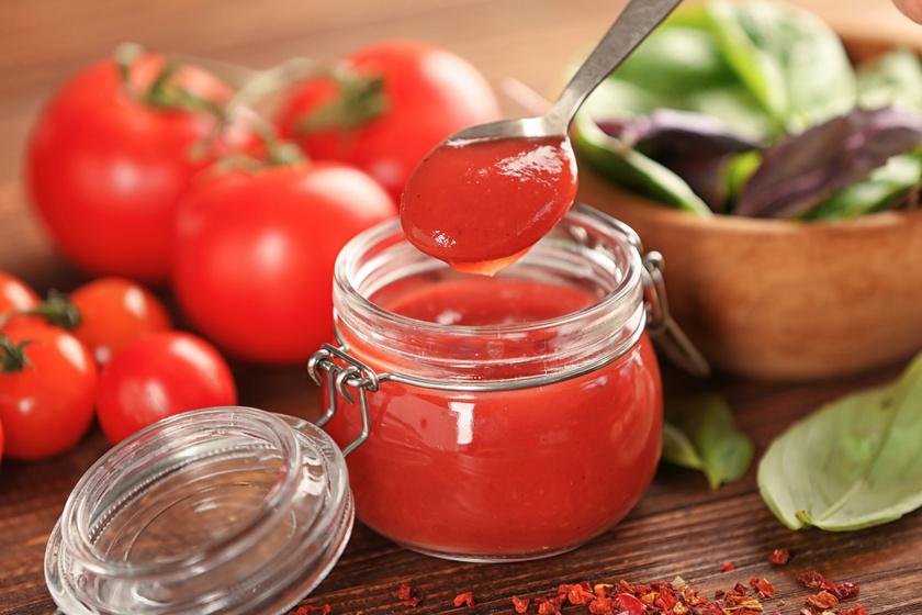 Sűrű házi ketchup: friss, édes paradicsomból a legfinomabb