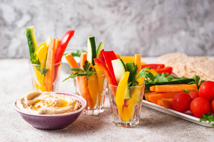 A csicseriborsóból készülő humusz gyorsan összeállítható, sokféleképpen ízesíthető, kedvelt mártogatós. A legkülönbözőbb zöldségek tunkolására alkalmas. Fehérje-, vitamin-, ásványianyag- és rosttartalma is magas, így különösen egészséges választás.