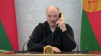 Lukasenko harckészültségbe helyeztette a hadsereg felét