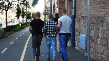 Két nap alatt elfogták a debreceni dohánybolti rablókat
