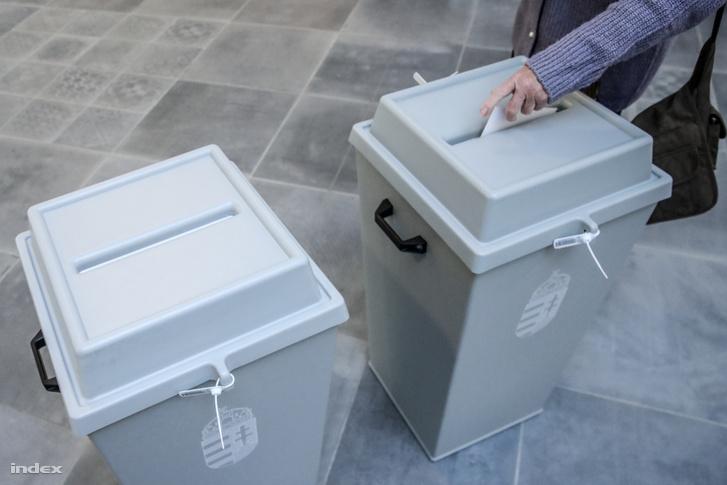 Egy szavazó a 2019-es önkormányzati választásokon Budapesten