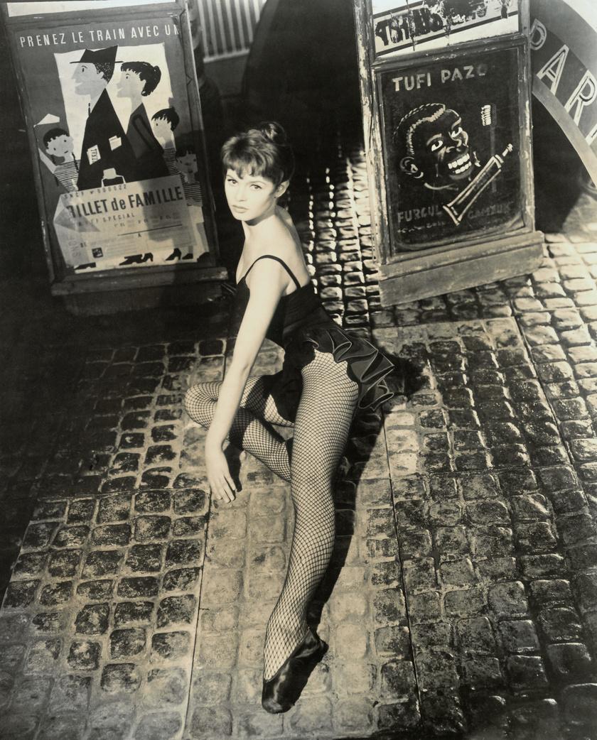 1950-ben neccharisnyában és fodros bodyban fotózták.
